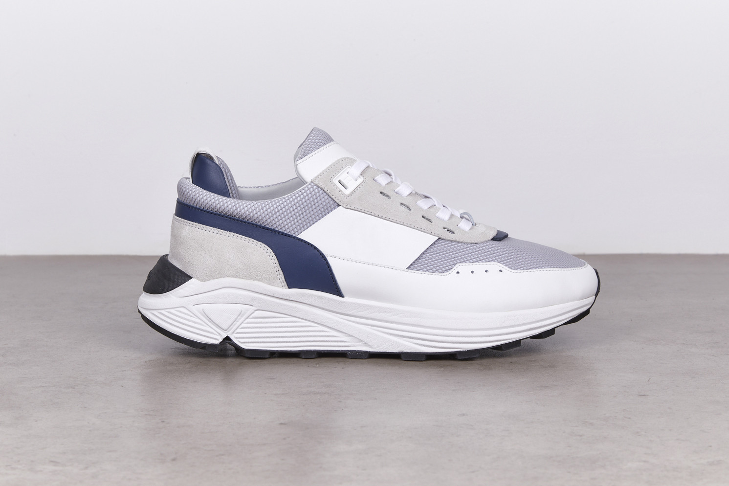 DELTA White/Pearl Grey Opaco/Suede Running